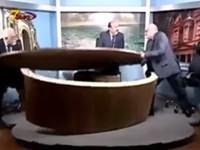 Araber zerlegen Fernsehstudio