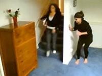Freundin im Ninja Style überfallen