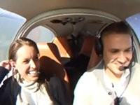 Krasser Heiratsantrag im Flugzeug