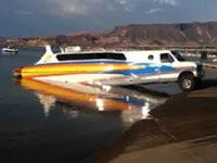Luxusboot zu Wasser lassen