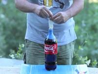 Mentos + Cola + Kondom = Viel Spaß