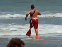 Schlechtester Rettungsschwimmer der Welt