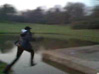 Sprung übers Wasser
