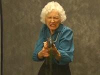 Streich: Gangster Oma