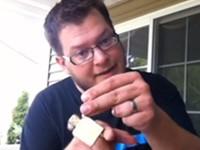 Tricks mit Zippo-Feuerzeugen