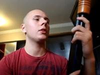 Volltrottel erklärt uns sein Gewehr