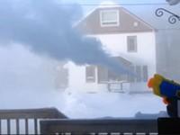 Wasserpistole im Winter