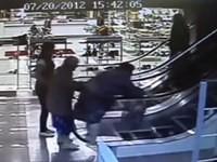 Zwei Omas im Kaufhaus